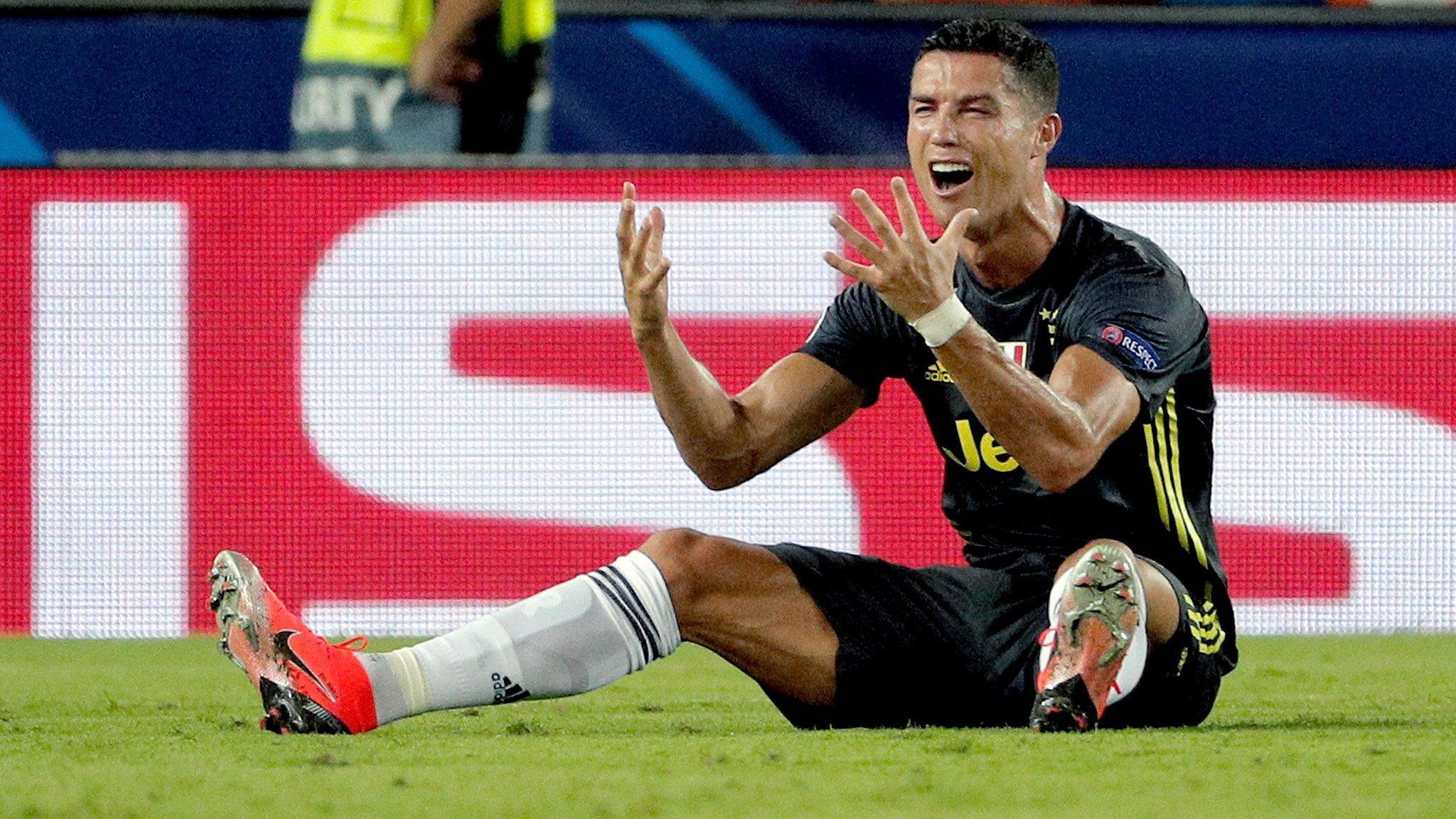 Valencia 0-2 Juventus: Cristiano Ronaldo sent off but Italians still win