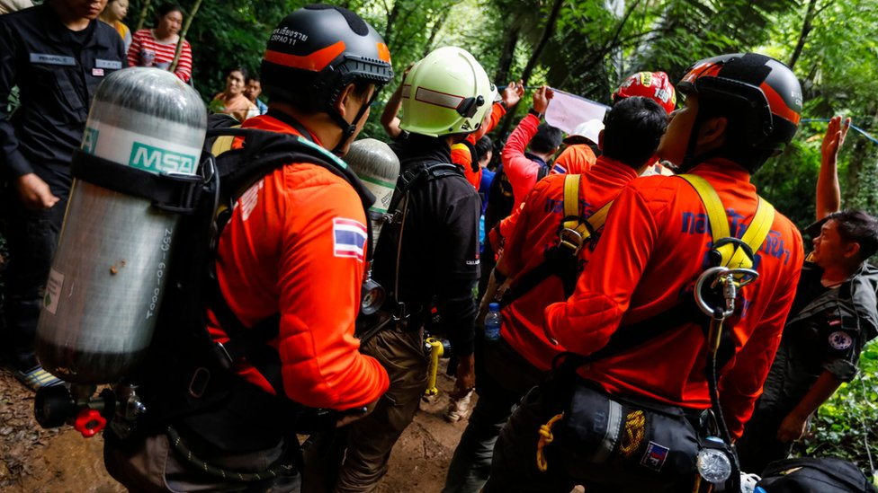 Thai rescuers prepare to try to save the trapped children and coach June 2018