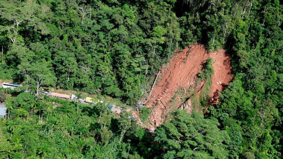 Deslizamientos de tierra por terremoto en Perú