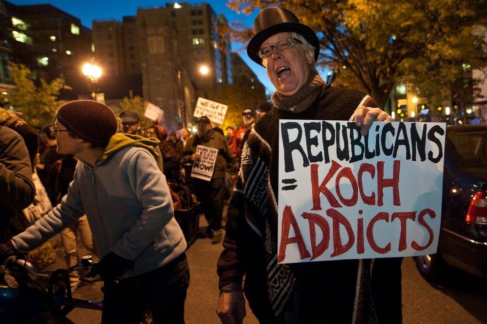 Manifestación contra los Koch.