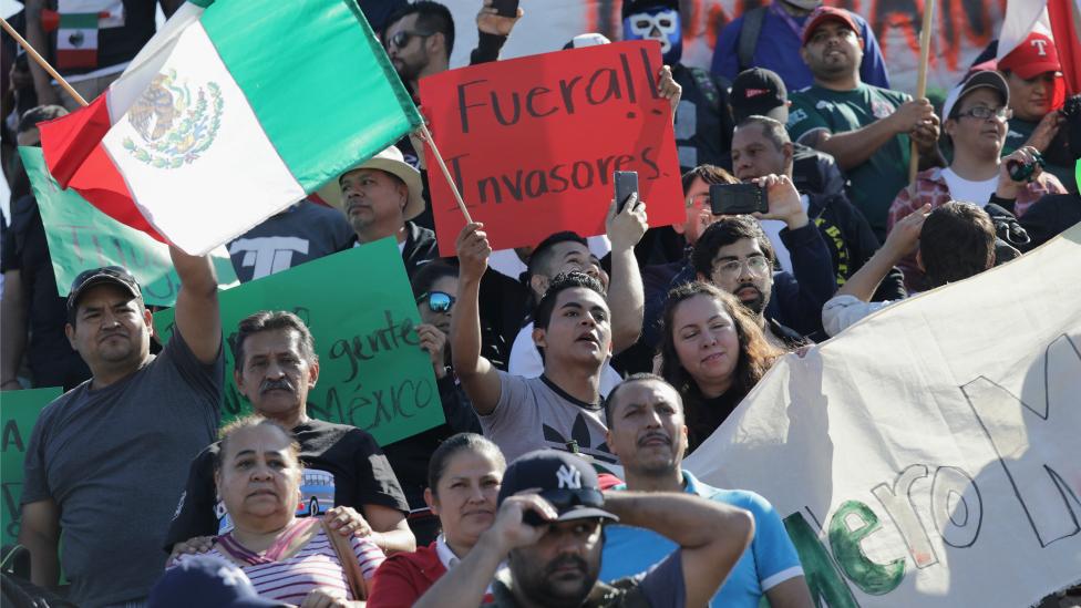 Protesta contra migrantes en Tijuana