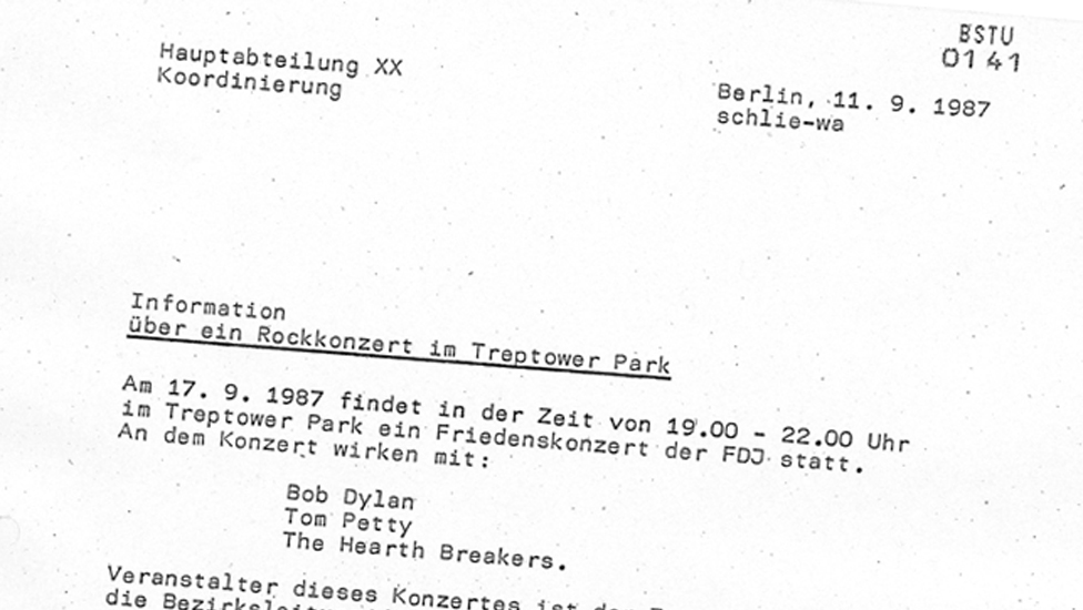 A Stasi report on the Dylan concert struggles with the name of Tom Petty's band