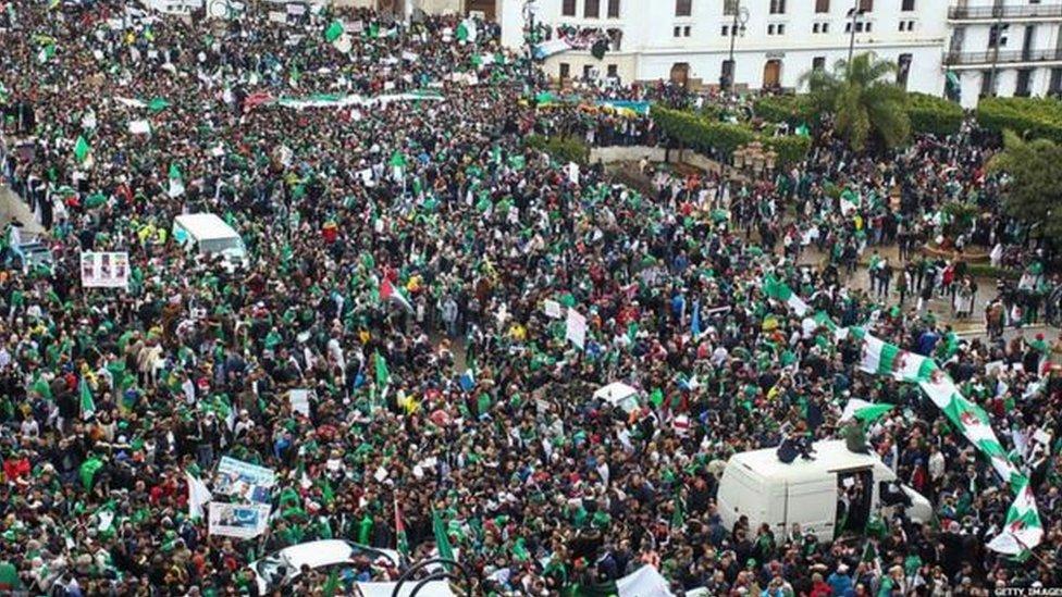 مظاهرة حاشدة في الجزائر
