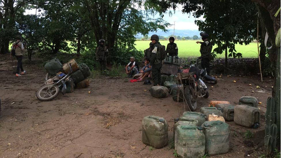 El contrabando de combustible es una de las actividades ilícitas de la zona.