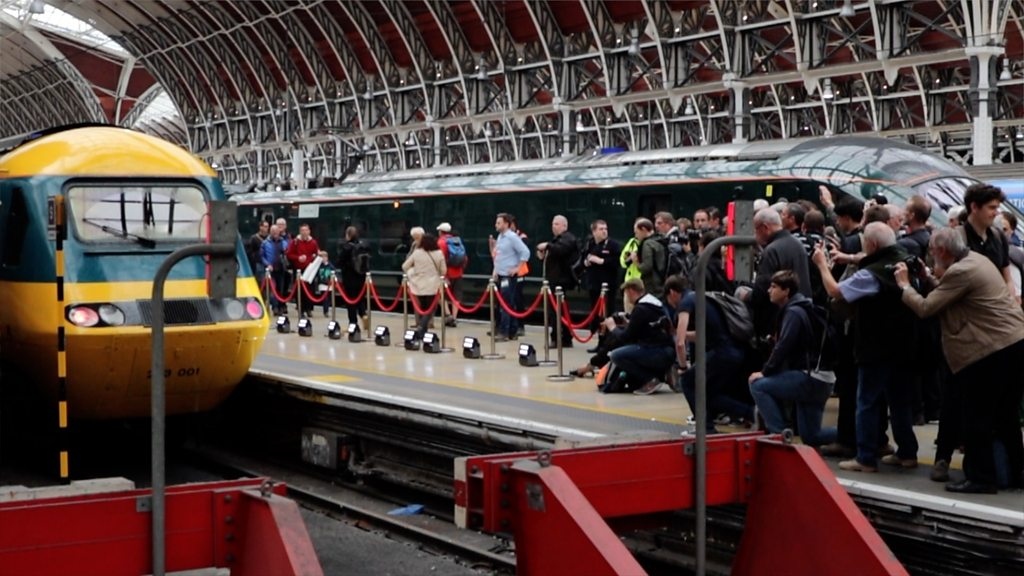 InterCity 125: Hundreds bid farewell to high speed train