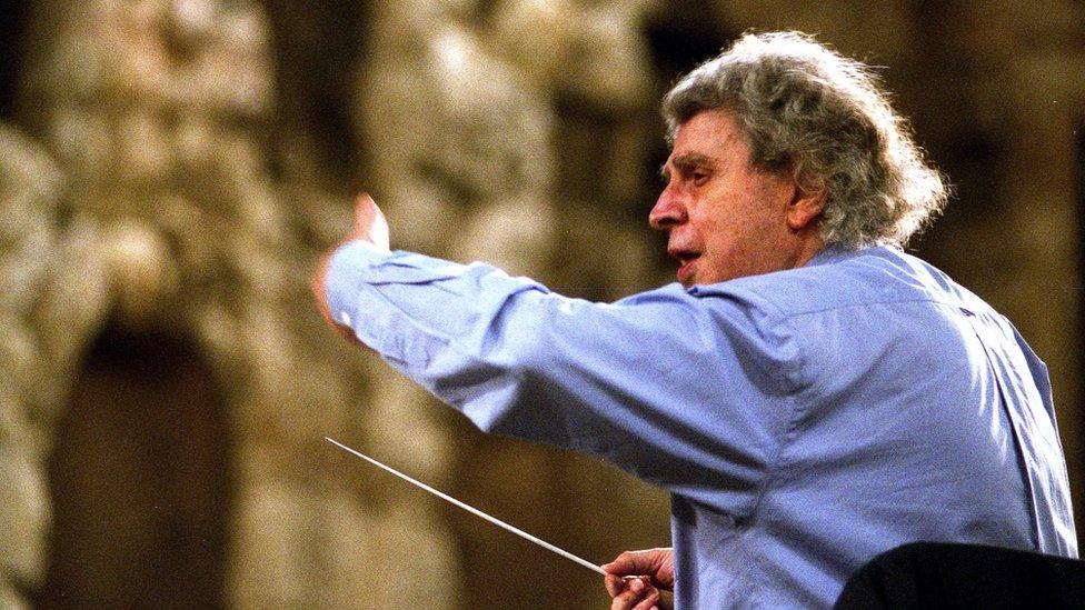 Mikis Theodorakis, conducting in Athens, 2001