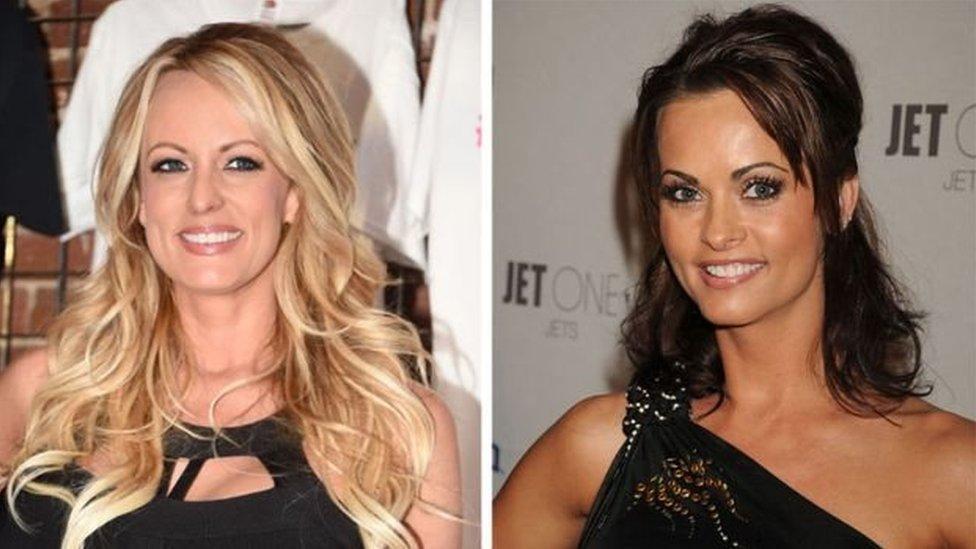 Stormy Daniels (kiri) dan mantan model Playboy Karen McDougal mengatakan pernah berhubungan seks dengan Trump.