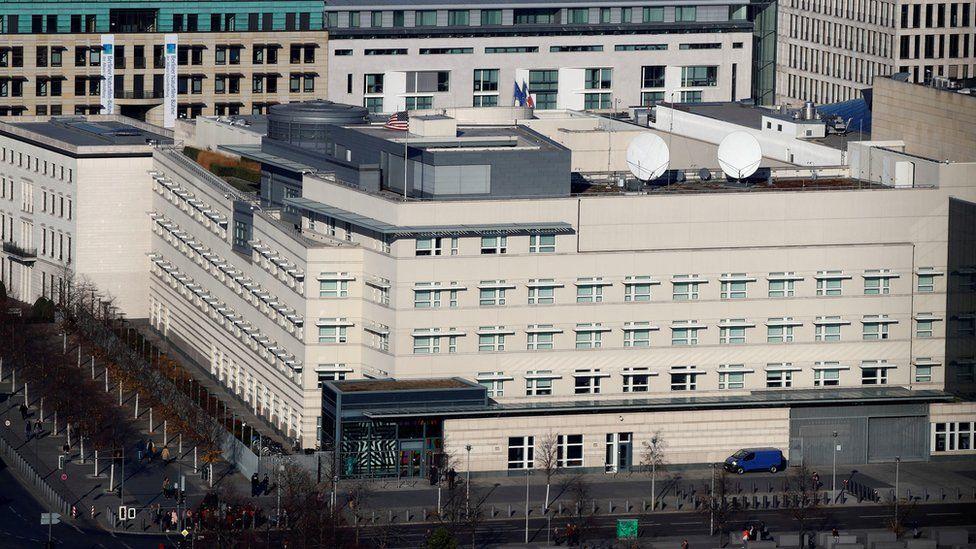اشتكى موظفون في السفارة من أعراض متلازمة هافانا
