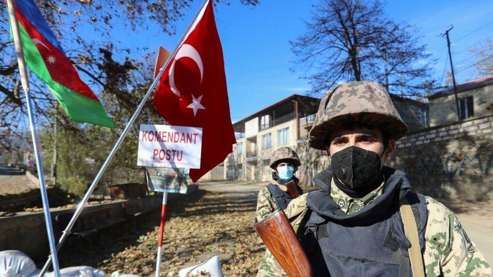 soldado de Azerbaiyán