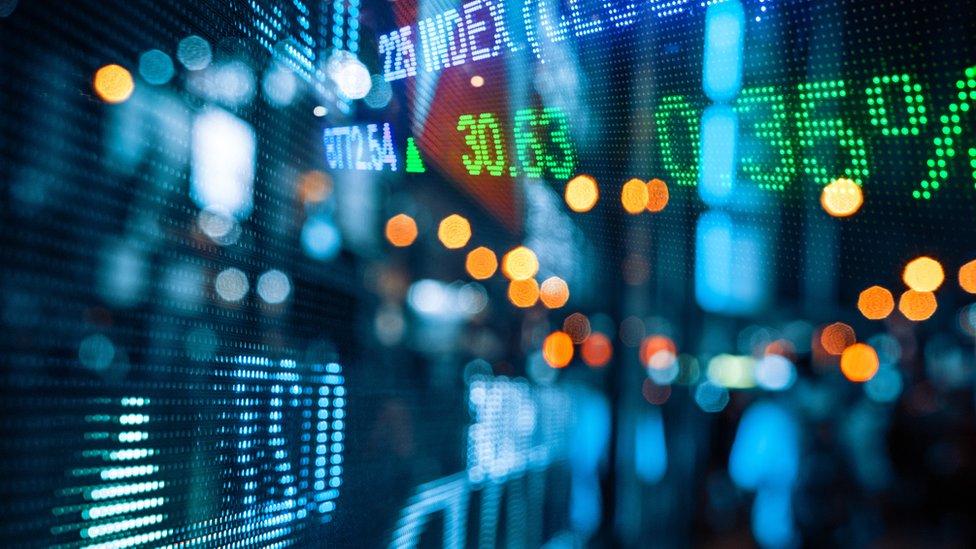 Es clave tener un portafolio diversificado y esperar retornos en el largo plazo.
