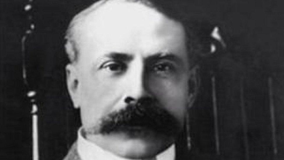 BBC News - Sir Edward Elgar manuscript found in autograph book