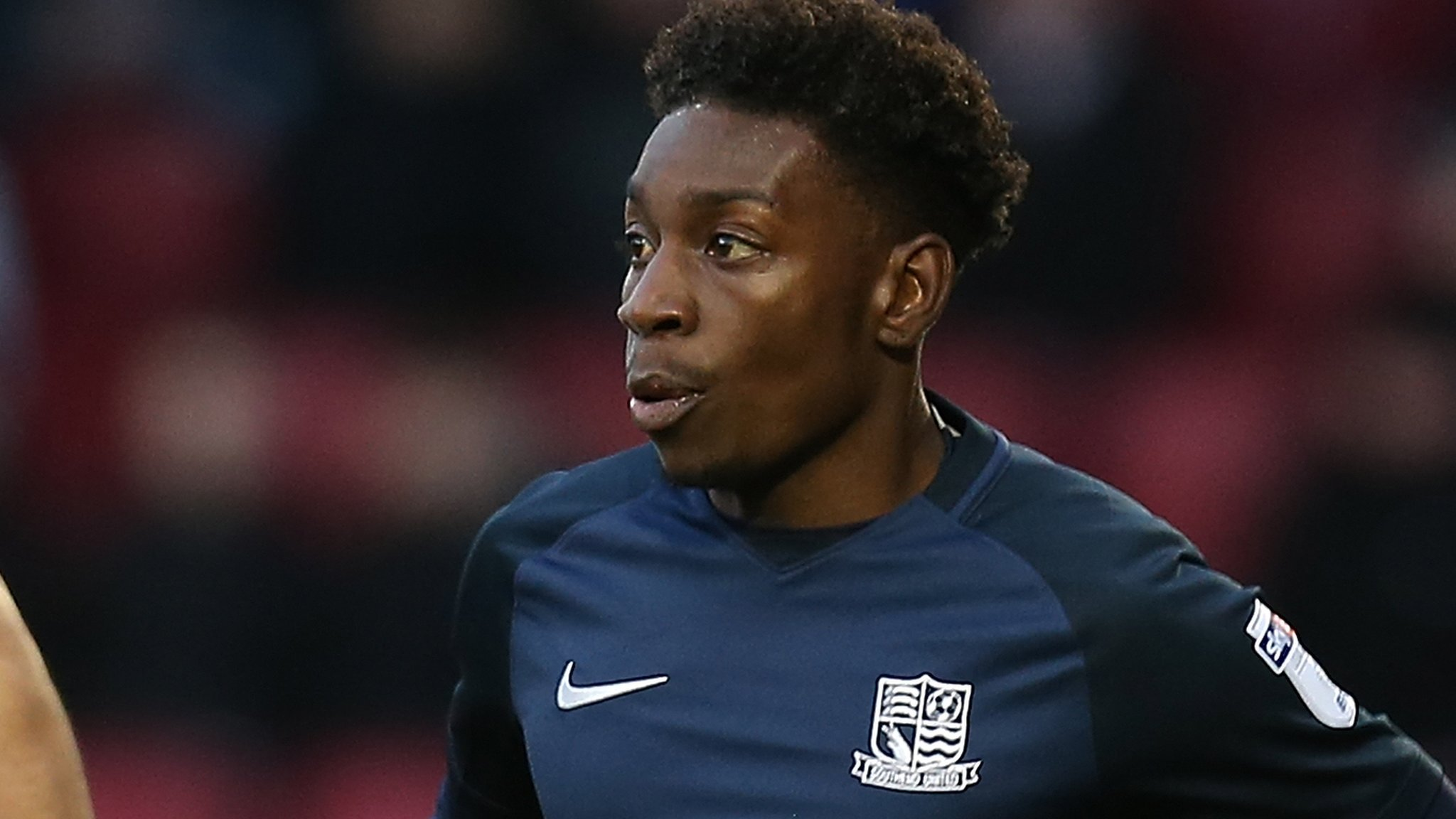 Jermaine McGlashan: Swindon Town sign winger after release by Southend