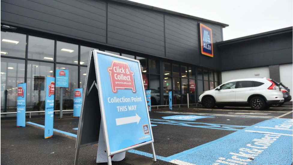 Aldi extends click and collect to 200 more shops - BBC News