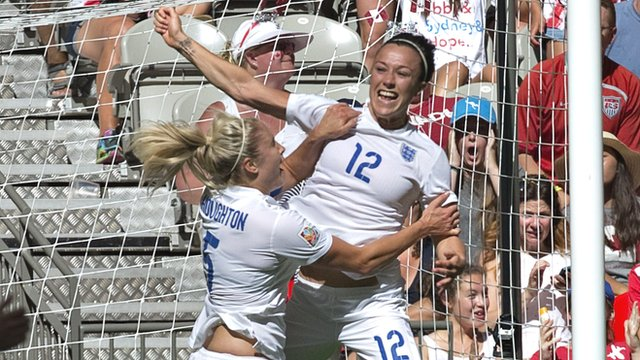 Lucy Bronze heads England 2-0 up