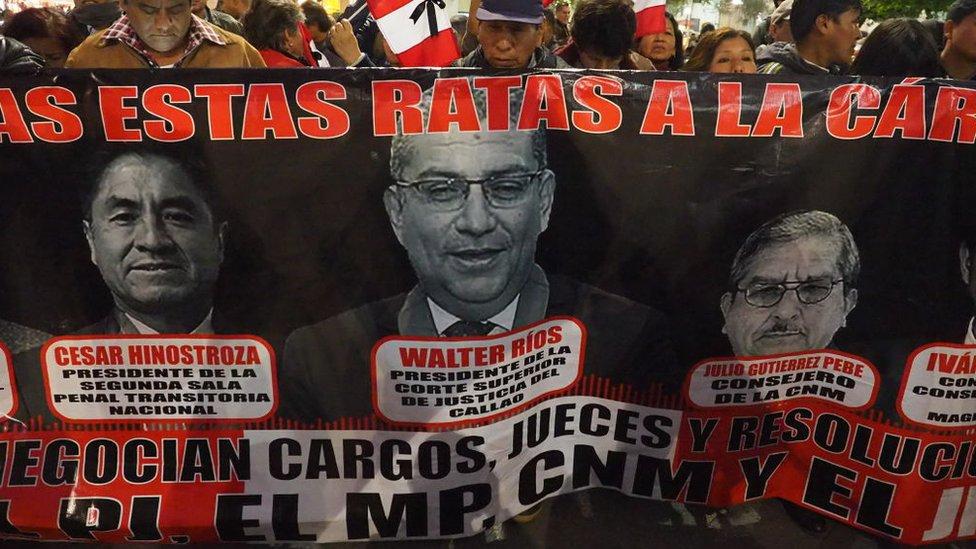 Protesta contra la corrupción en el sistema de justicia peruano.