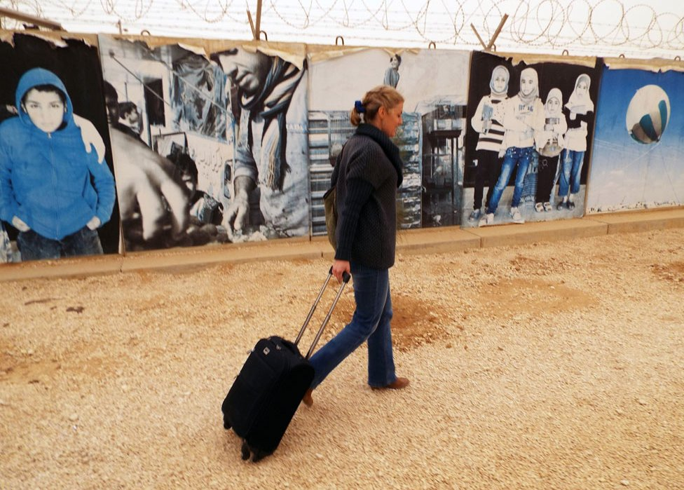 Amy Peake going into Zaatari refugee camp
