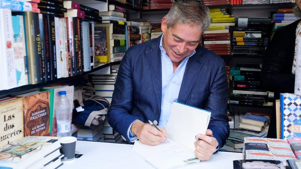 Boris Izaguirre en la feria del libro de Madrid.
