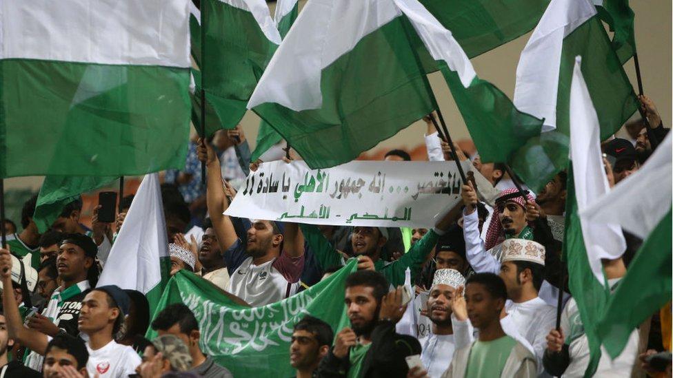 وفاة مشجع أهلاوي خلال مباراة الأهلي والشباب