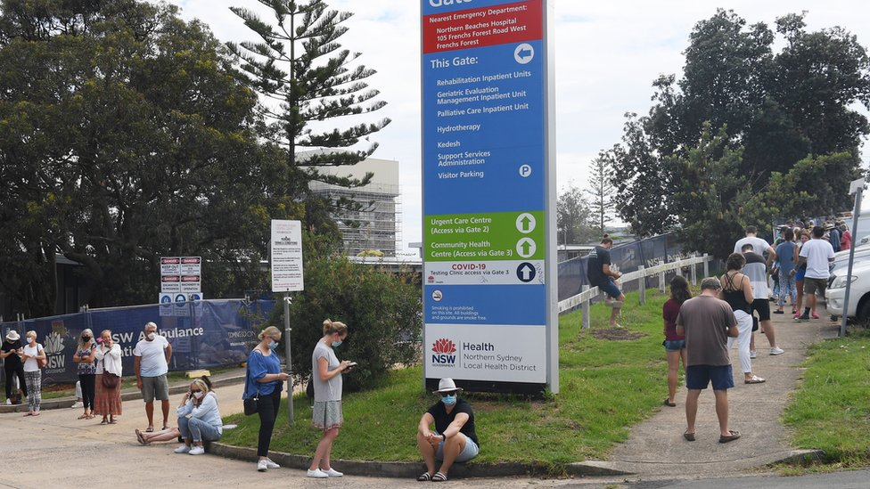 People line up for testing at walk-in clinic in Sydney's Northern Beaches region