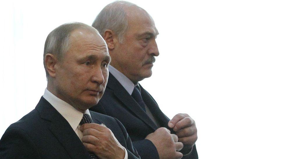 Лукашенко: Беларусь не собирается входить в состав России