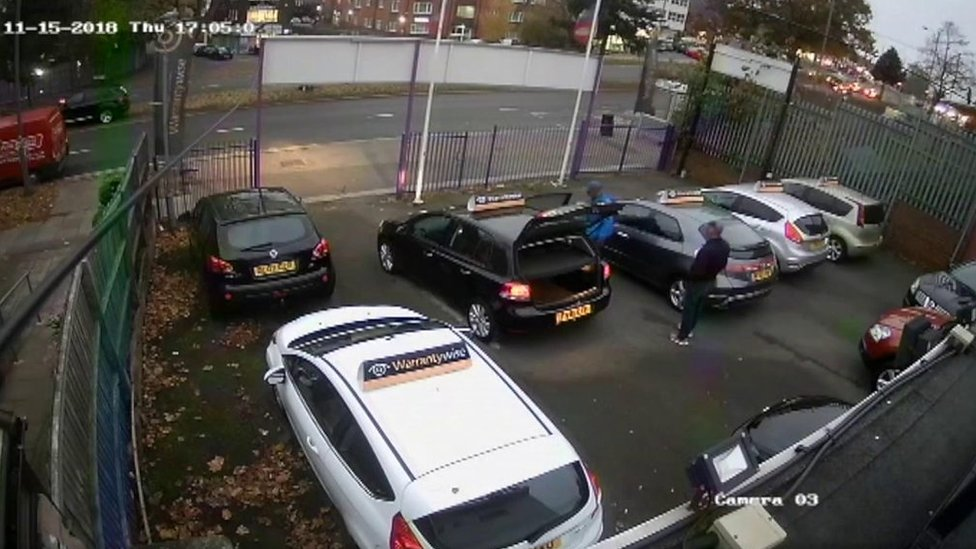 Moment 'car buyer' steals vehicle in Birmingham