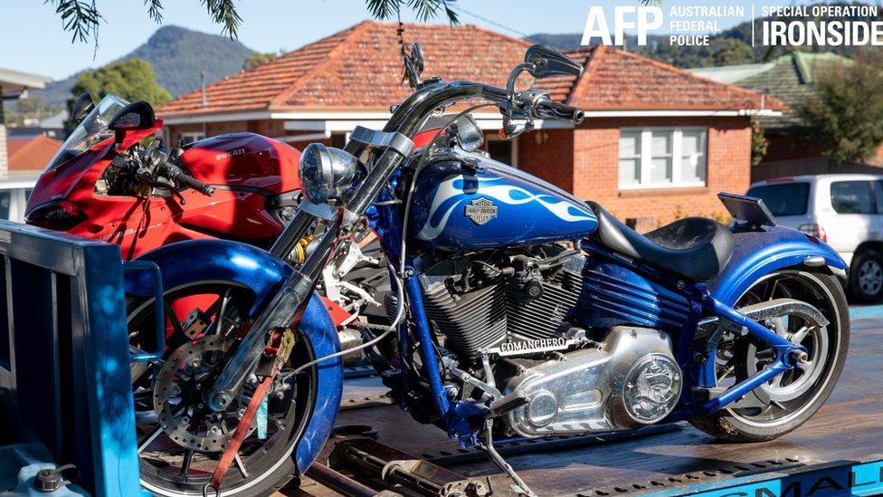 Motocicletas apreendidas na operação