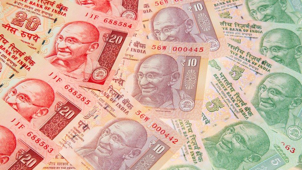 Billetes indios