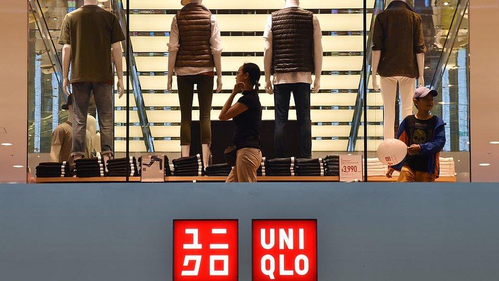 Uniqlo ha sido criticada por no fiscalizar las condiciones de trabajo de sus proveedores en Asia.