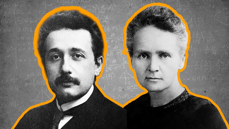 Albert Einstein y Marie Curie
