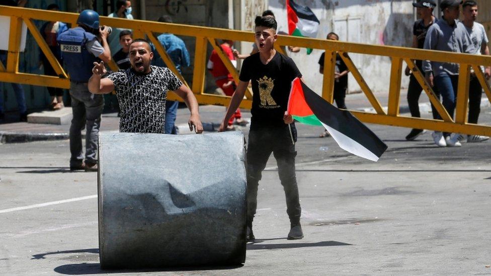 محتجون فلسطينيون