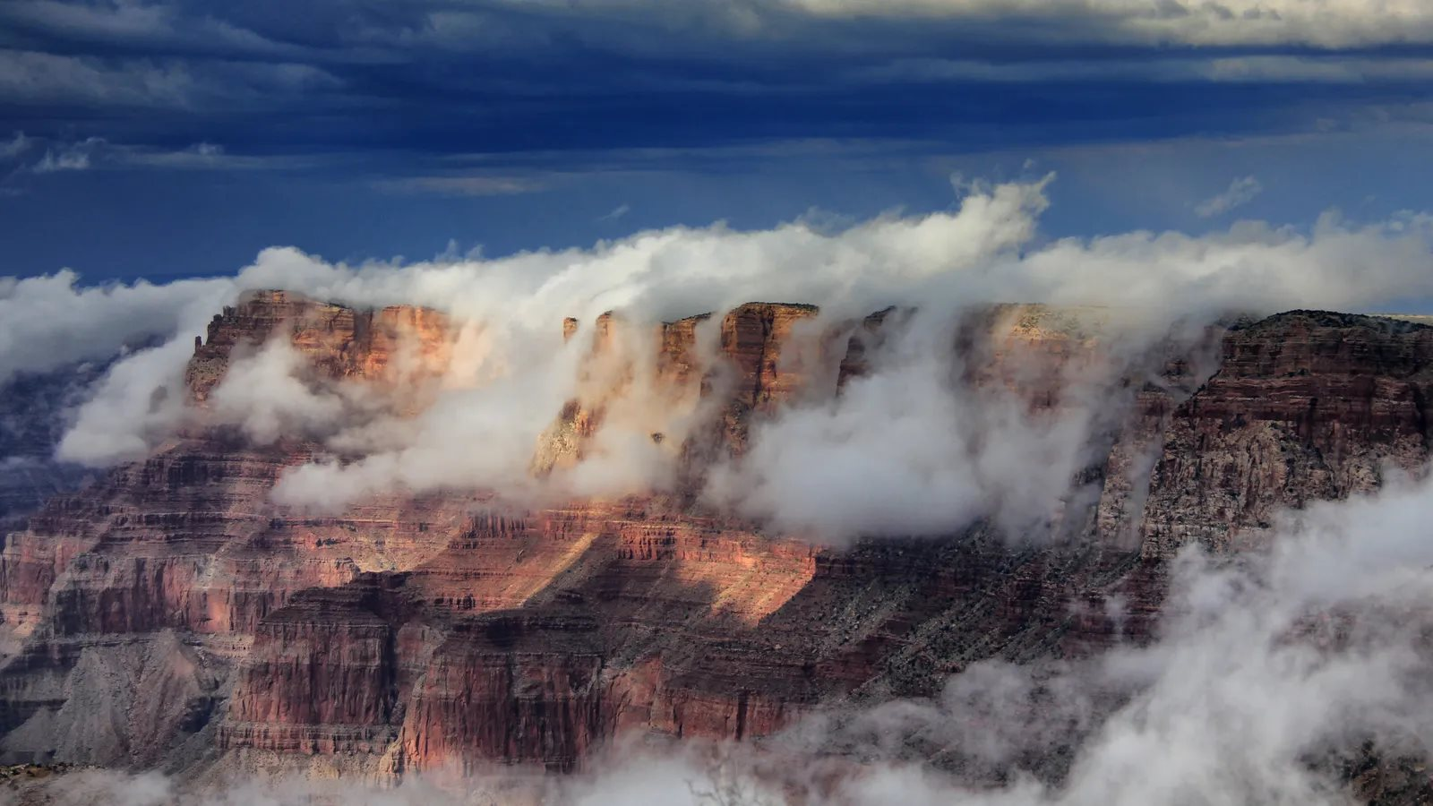 雲霧繚繞的科羅拉多大峽谷(Credit: Getty Images)