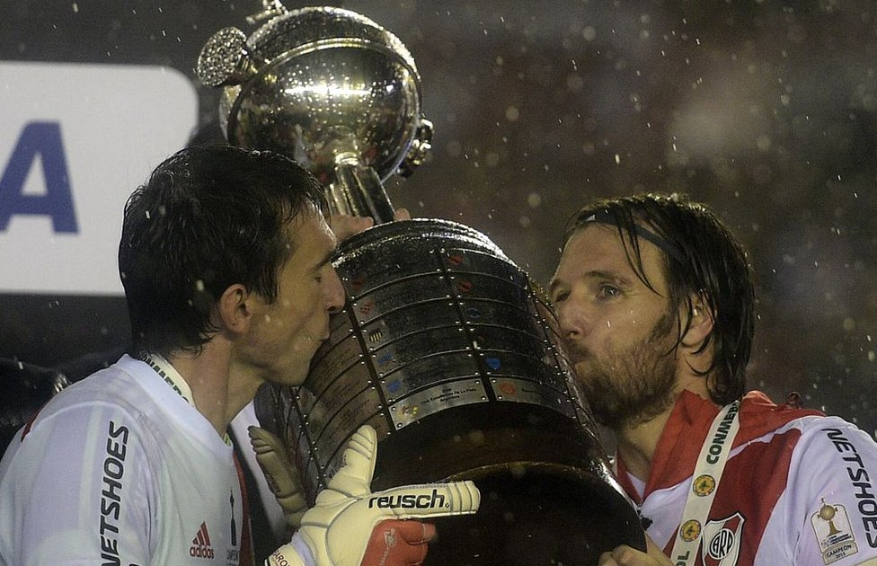 River Plate besa la copa