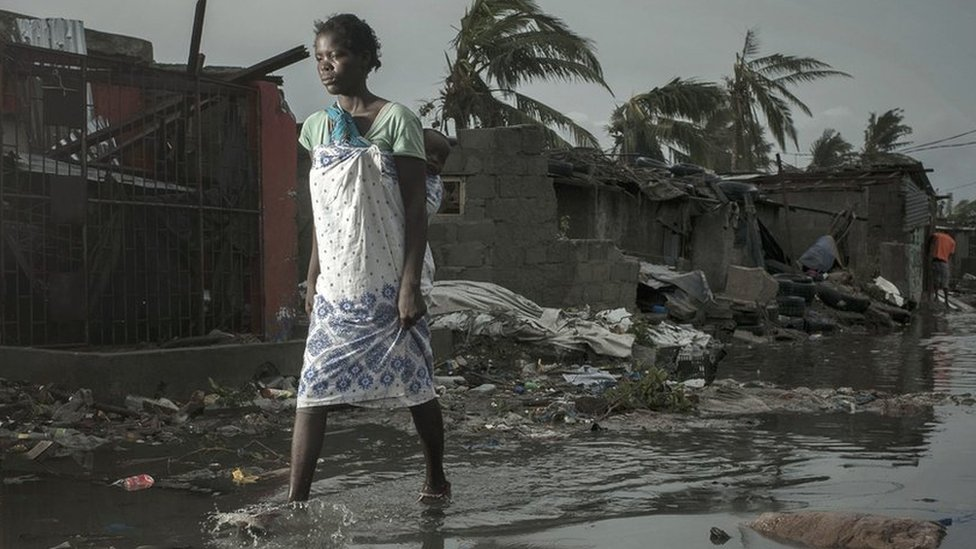 Cyclone Idai: Mozambique survivors desperate for help