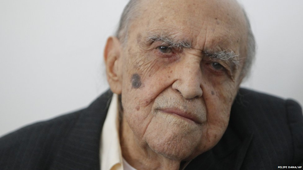 Brazilian architect Oscar Niemeyer attends a ceremony where he was decorated with Spain's Arts and Letters medal in Rio de Janeiro, Brazil, 2010