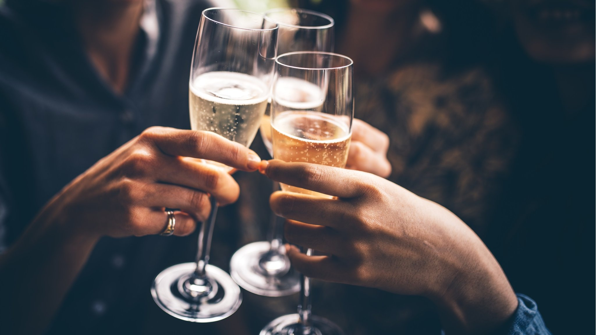 Wetherspoon to stop selling champagne and prosecco