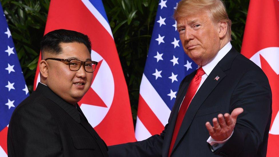 Kim Jong-un y Trump en Singapur.