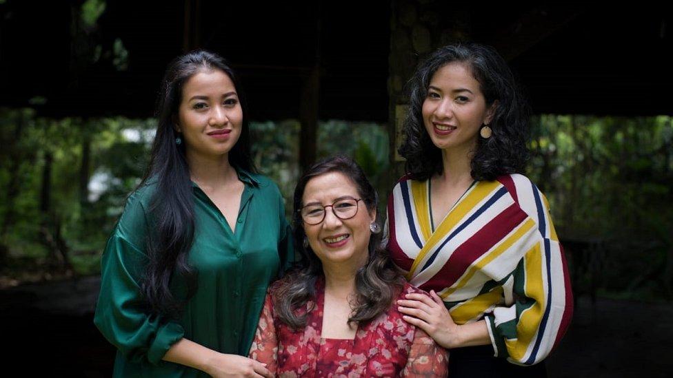 Sita Tyasutami, Maria Darmaningsih y Ratri Anindyajati.