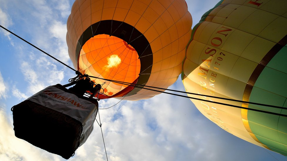 Thousands enjoy balloons at annual fiesta in Bristol