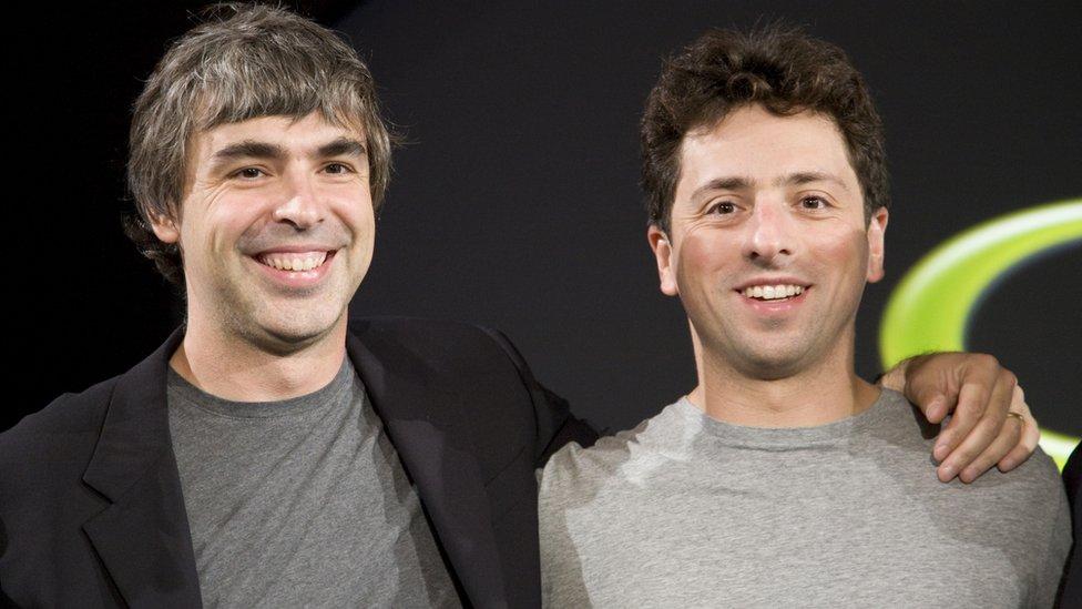 Los fundadores de Google, Larry Page y Sergey Brin, en una conferencia de prensa en 2008.