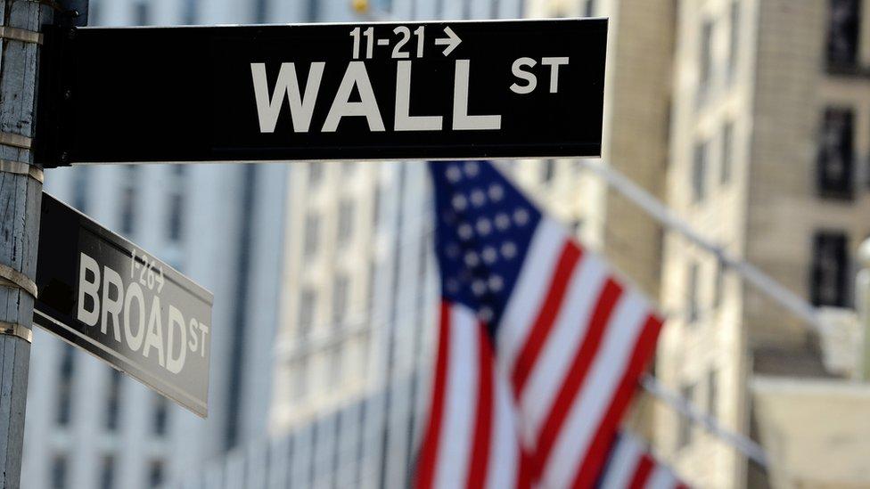 La curva de rendimientos actual se parece a la que existía en 2007 antes de la gran crisis financiera.
