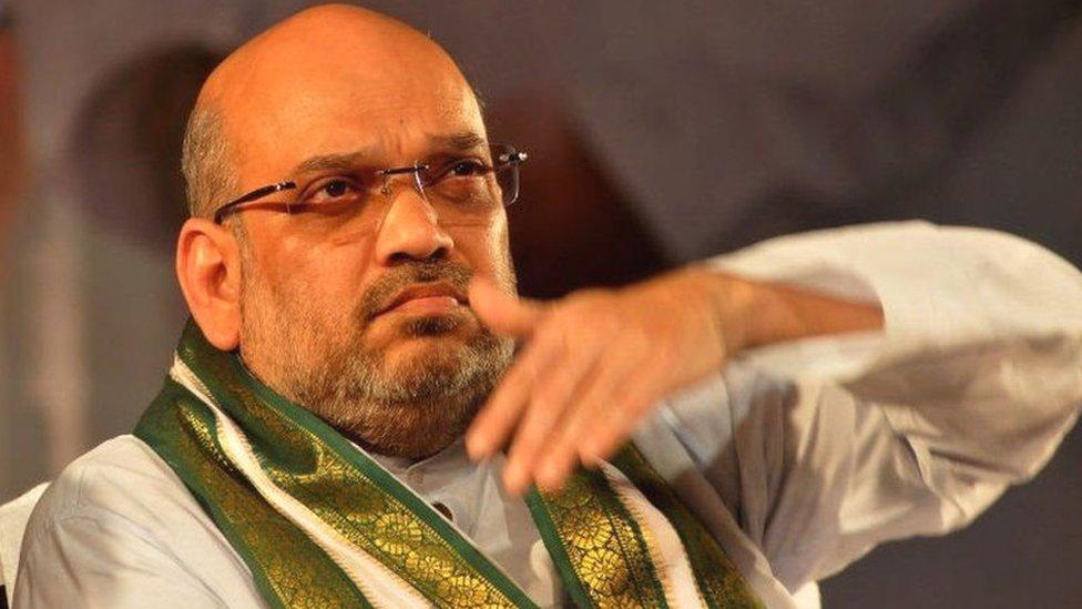 बीजेपी के निशाने पर कर्नाटक सरकार, क्या अमित शाह के इशारे का है इंतज़ार?