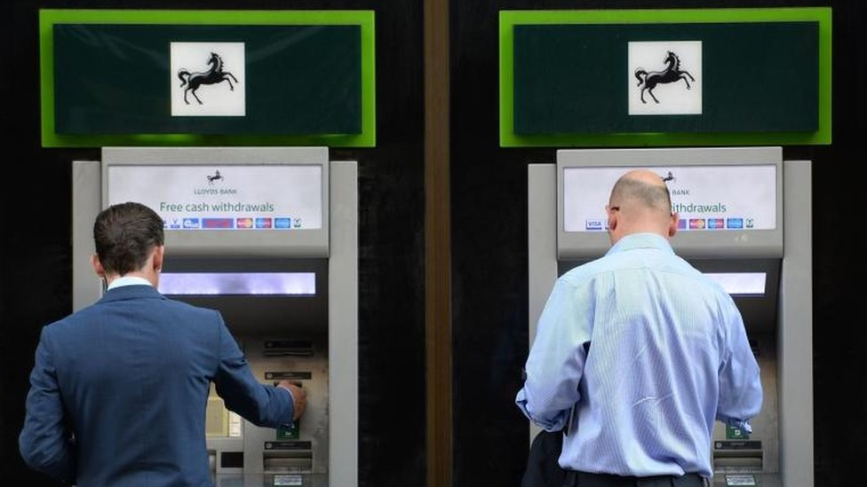 Lloyds: Taxpayers get all their money back after rescue