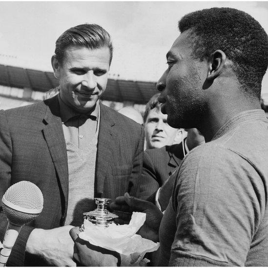 Lev Yashin y Pelé en 1965.