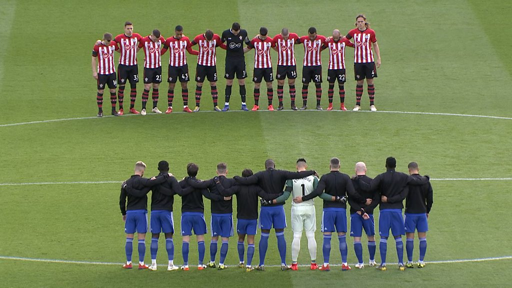 Emiliano Sala: Cardiff and Southampton observe minute's silence for Argentine forward
