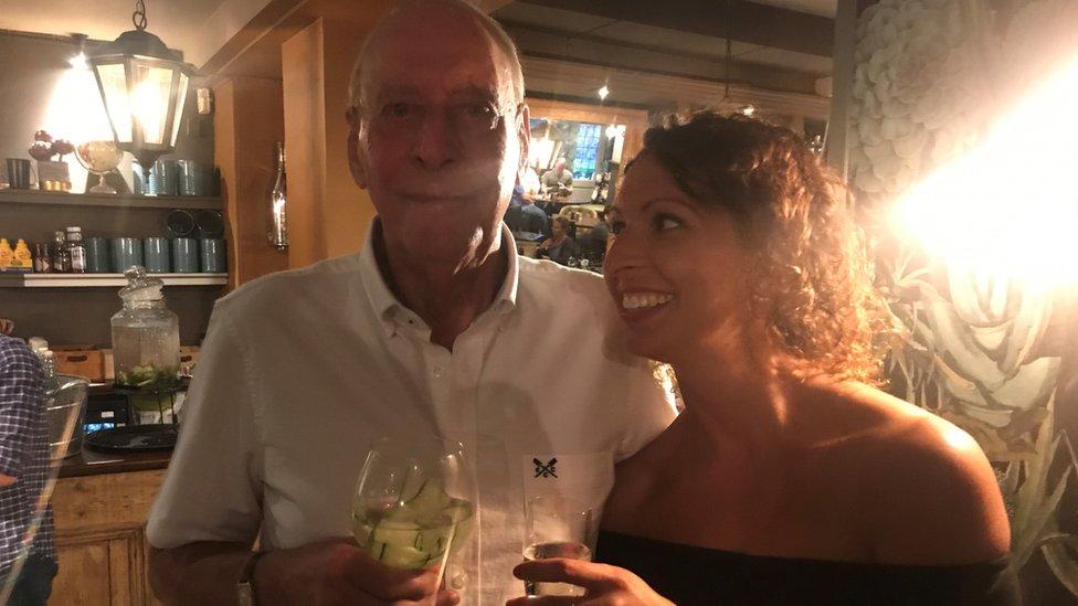 Vicki y su padre
