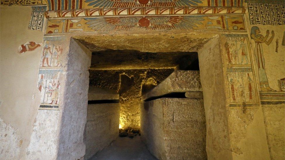 مقبرة تعود للعصر البطلمي في سوهاج جنوب مصر