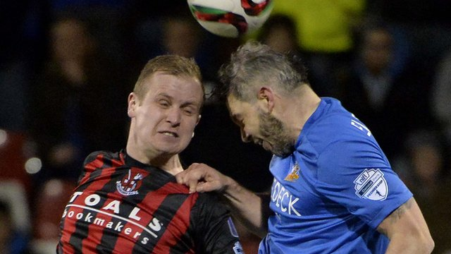 Action from Crusaders against Glenavon at Seaview