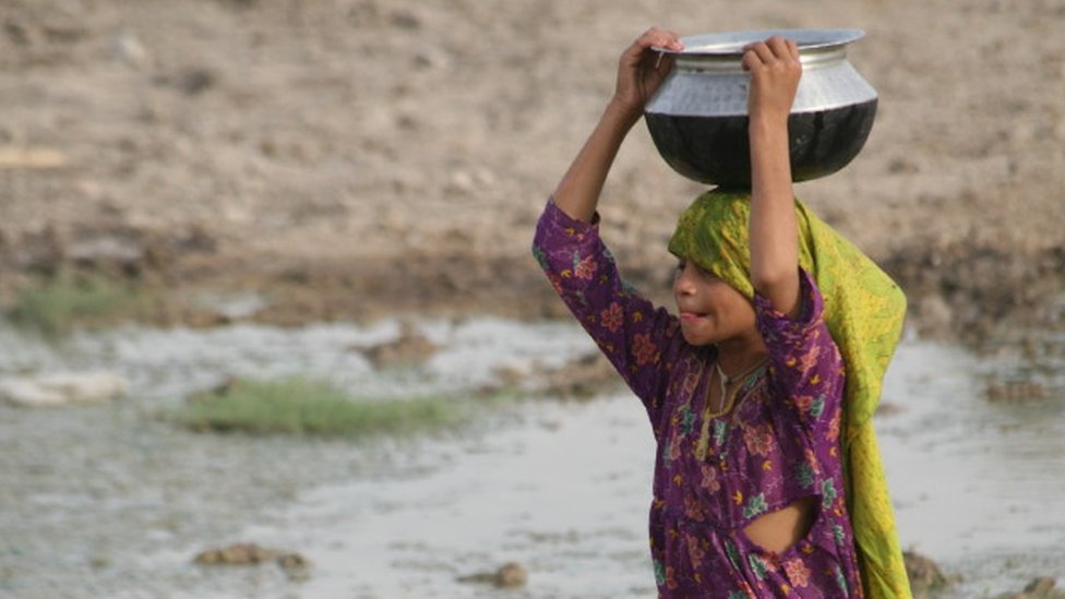 طفلة باكستانية