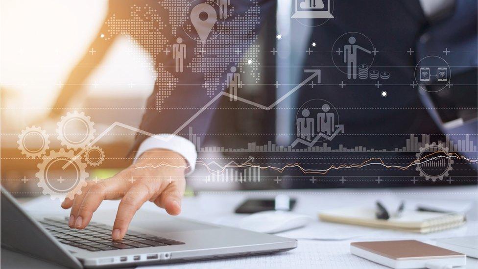 """Segment soluciona uno de los grandes problemas de las empresas: """"datos desordenados almacenados en sistemas diferentes""""."""