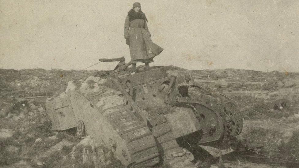Women's photos from WW1 frontline